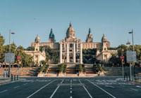 visit barcelona with a guide