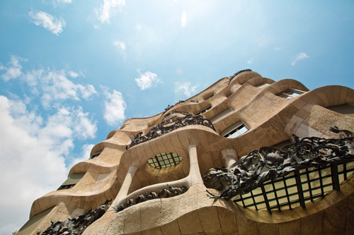 gaudi walking city tour